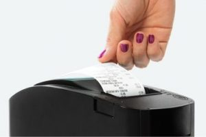 Аппарат Viki Print 80 Plus печатает чек